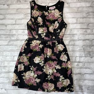 Three Pink Hearts Sleeveless Lined Floral Dress